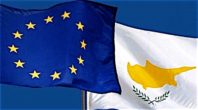 EU-Cyprus flags-filtered-98