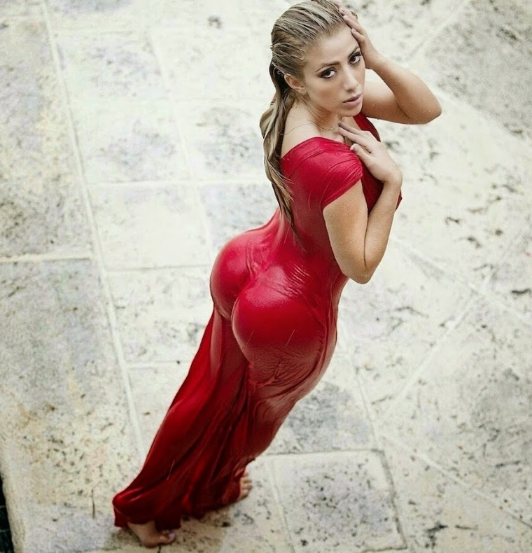 Valeria Orsini wet