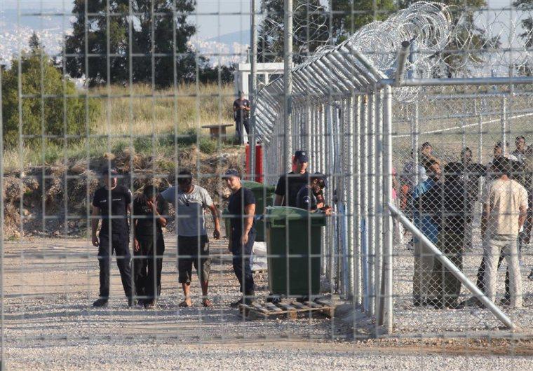 Amygdaleza immigrant detention