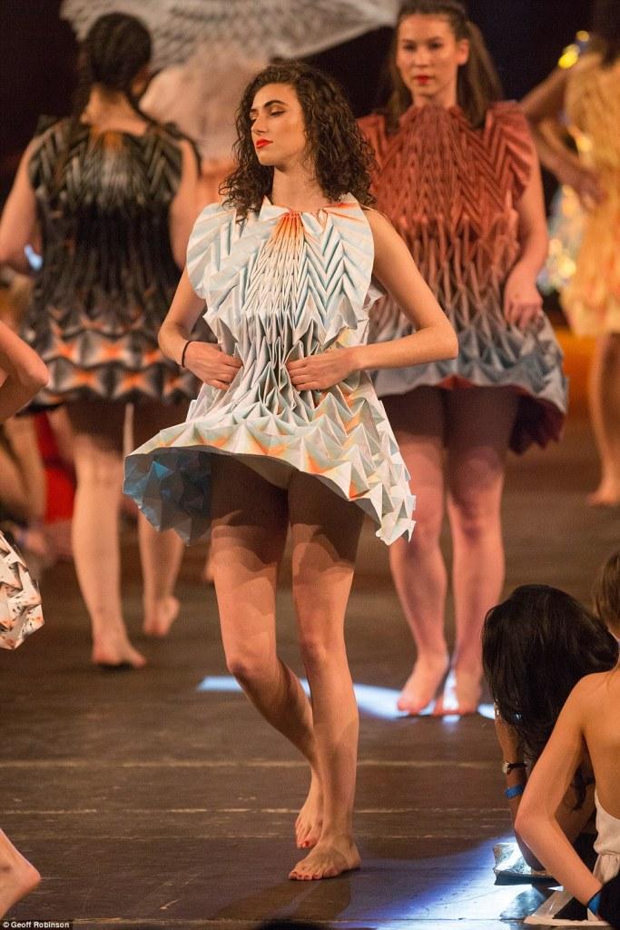 Cambridge fashion show16C
