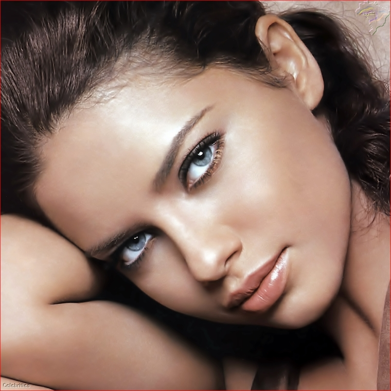 wppBr@Scp_025_Celebrities_Adriana_Lima_01