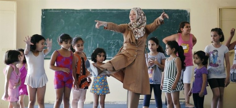 ballet class at Gaza college-leveled-1