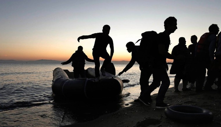 syria-refugees-greece-mn-01_69b1961fdd9121bc11006bd05fb15dc7.nbcnews-ux-2880-1000