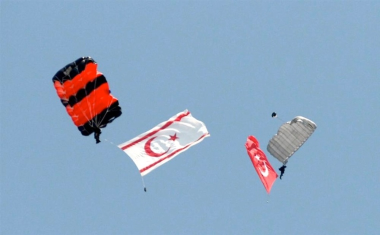 katehomena-Turkish flags-leveled-1