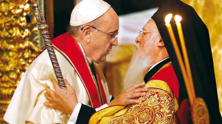 Pope Francis-Patriarch Vartholomeos-close