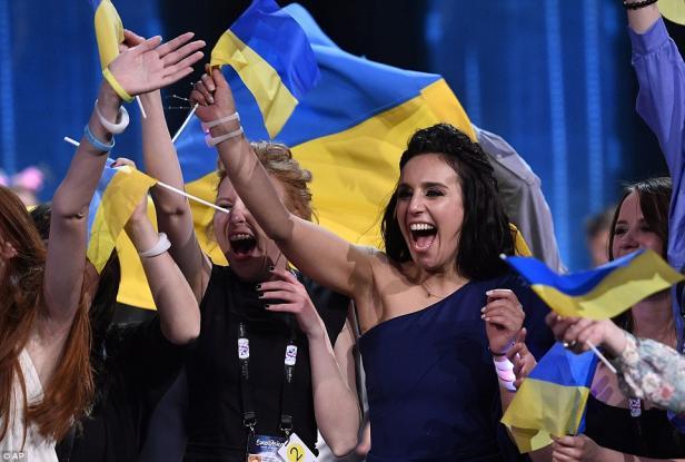 ukranians celebrate-eurovision16