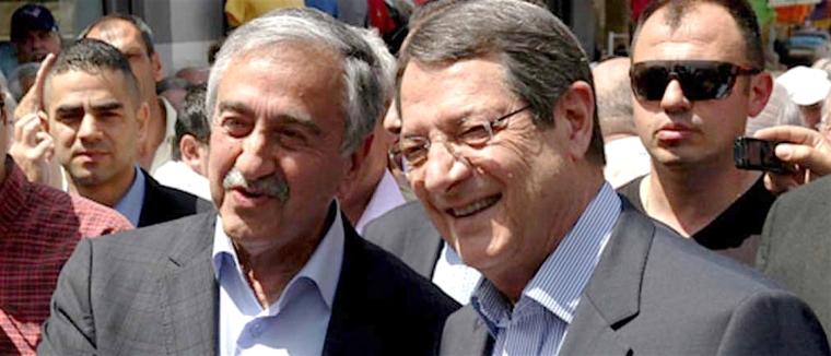 akinci-anastasiades, stupid smile