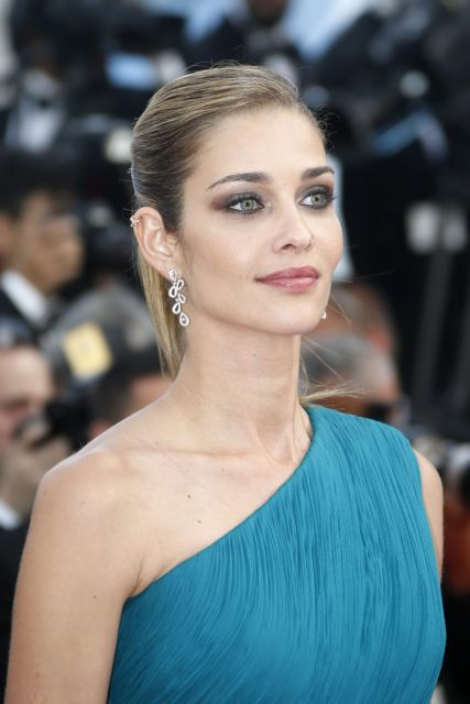 Brazilian model Ana Beatriz Barros arrives for the screening of 'La Fille Inconnue' (The Unknown Girl) during the 69th annual Cannes Film Festival, in Cannes, France, 18 May 2016.