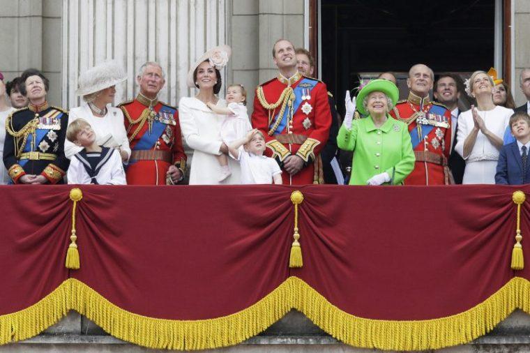 royals-balcony, 90 birthday