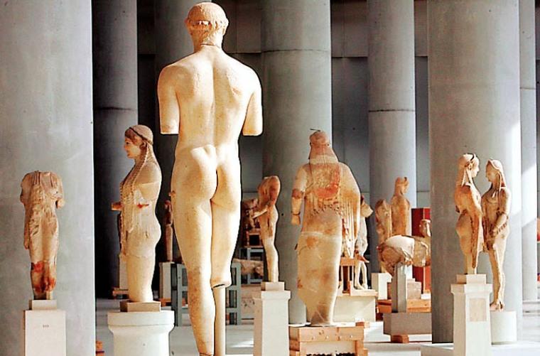 acropolis museum-statues