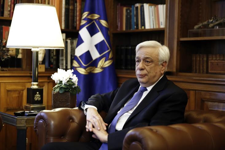 P.Pavlopoulos-sits