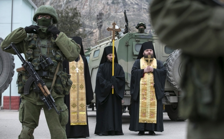 Ukraine-priests and tanks