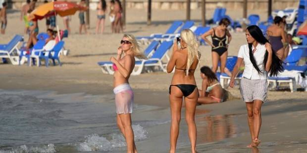 Beach-Israeli girls