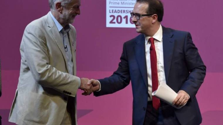 Owen Smith (R) and Labour leader Jeremy Corbyn