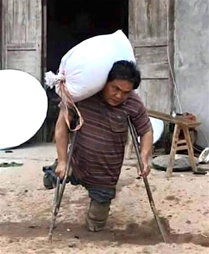 Philippino father-no legs2