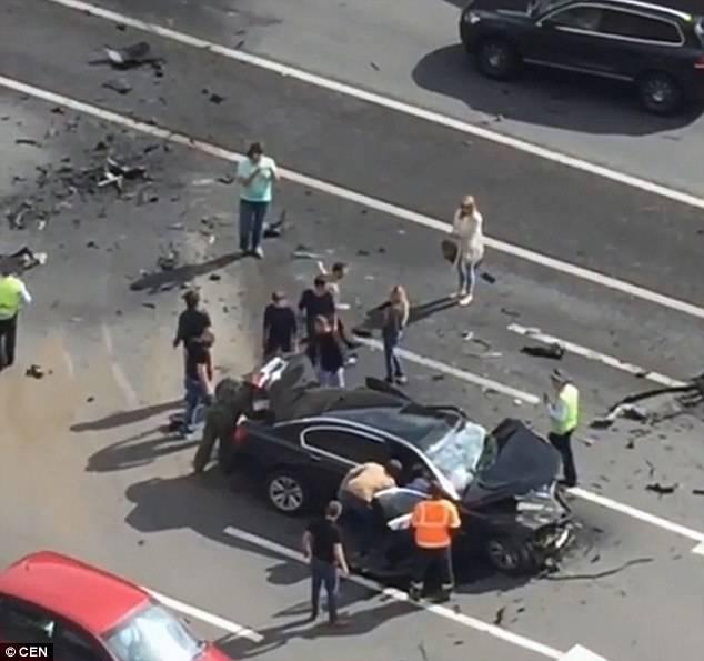 putin-car-blown-up-2