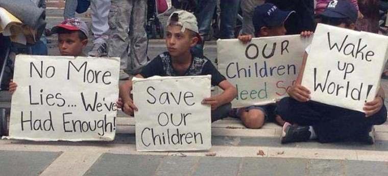 refugees-kids protest