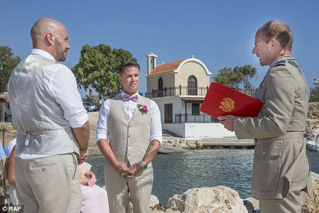 gay-wedding-dekelia2