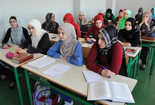 koran-teaching-class