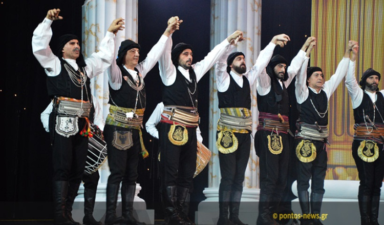 kremlin-pontian-dancers