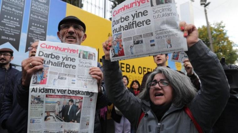 turkey-cumhuriyet-protest