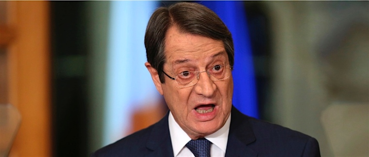 anastasiades-mouth-open-long