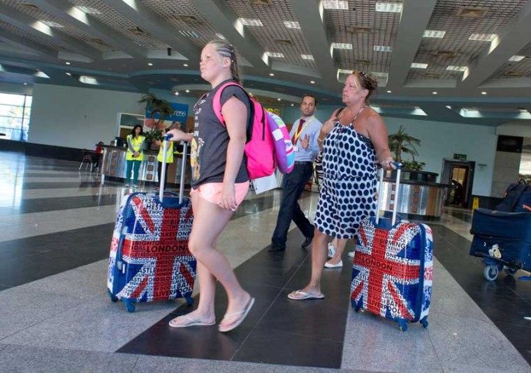 british-tourists-bags