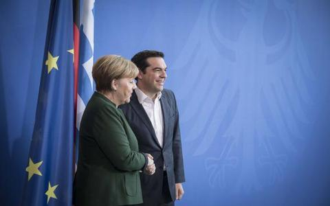 tsipras-merkel-walk