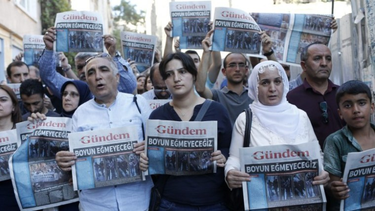 turkey-kurds-media-dhmosiografoi01