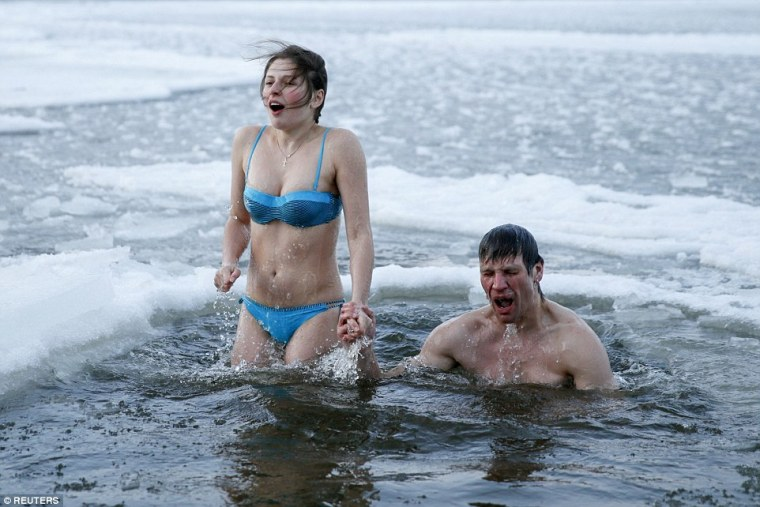 ukraine-cold-water-bathing