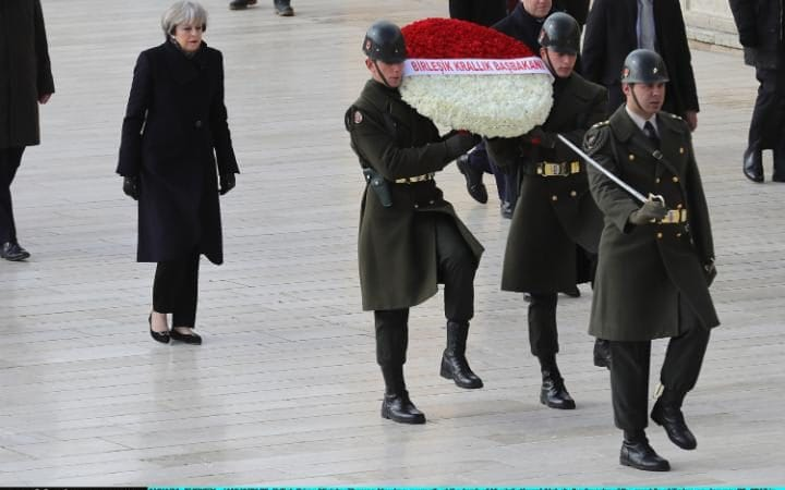 may-ankara-wreath
