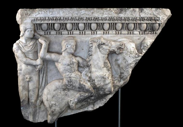 sarcophagos-trojan-war