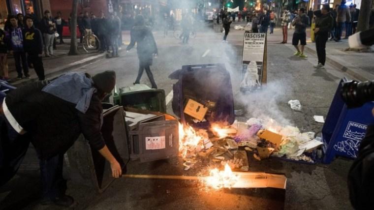 milo-giannopoulos-protest