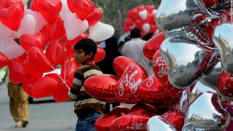 st-valentine-in-pakistan2