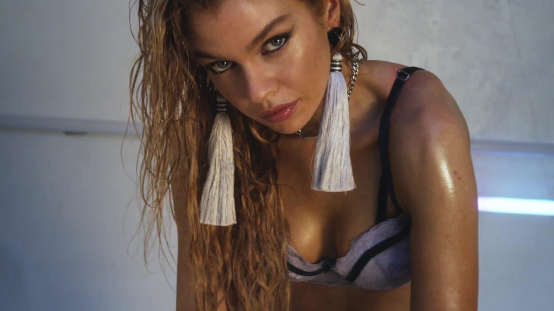 Ταϊλανδός/ή γυμνό μοντέλο